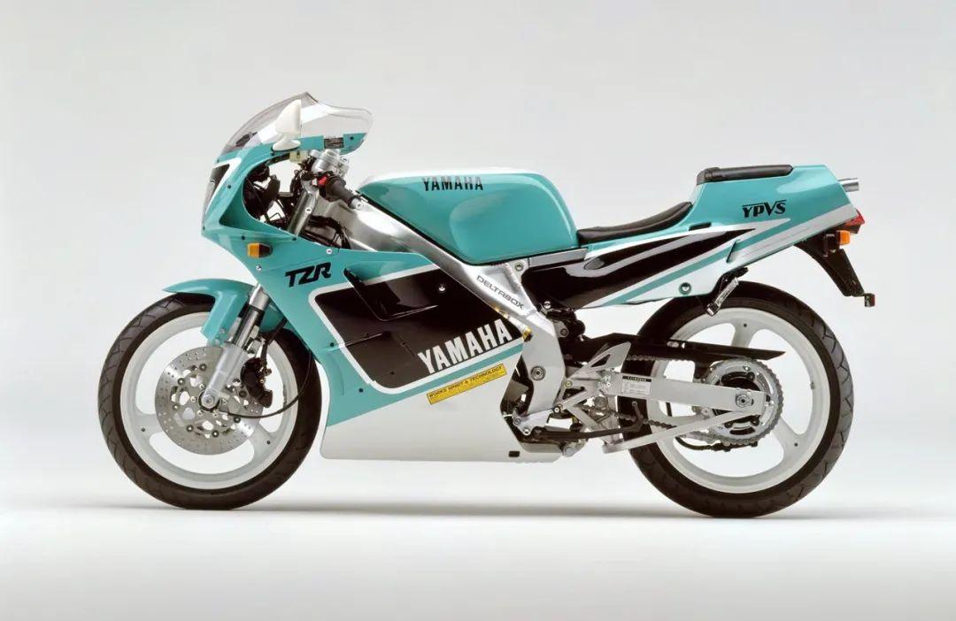 车型历史图库:雅马哈Yamaha TZR250 第二代-第22张图片-春风行摩托车之家