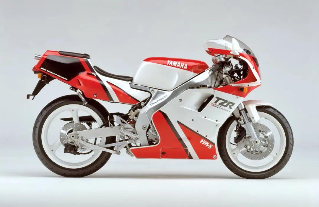 车型历史图库:雅马哈Yamaha TZR250 第二代-第24张图片-春风行摩托车之家