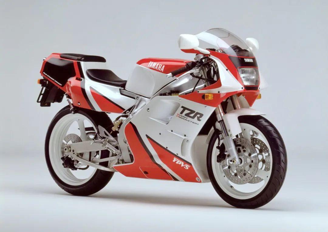 车型历史图库:雅马哈Yamaha TZR250 第二代-第23张图片-春风行摩托车之家