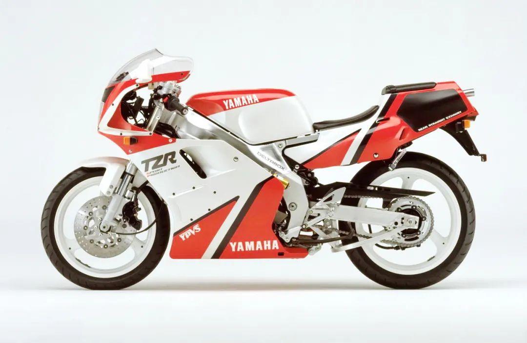 车型历史图库:雅马哈Yamaha TZR250 第二代-第26张图片-春风行摩托车之家