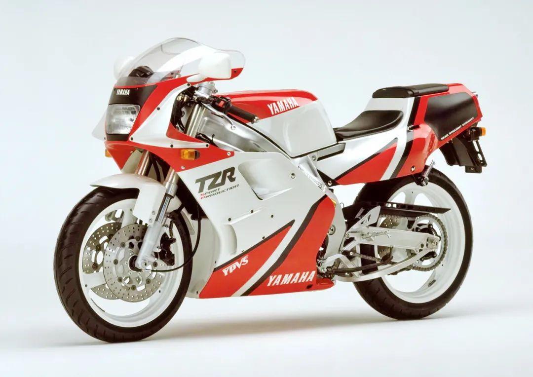 车型历史图库:雅马哈Yamaha TZR250 第二代-第25张图片-春风行摩托车之家