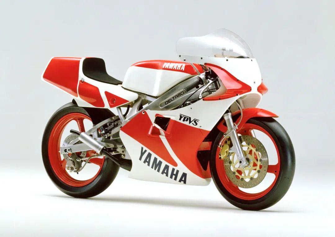 车型历史图库:雅马哈Yamaha TZR250 第二代-第27张图片-春风行摩托车之家