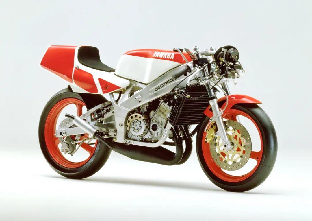 车型历史图库:雅马哈Yamaha TZR250 第二代-第28张图片-春风行摩托车之家