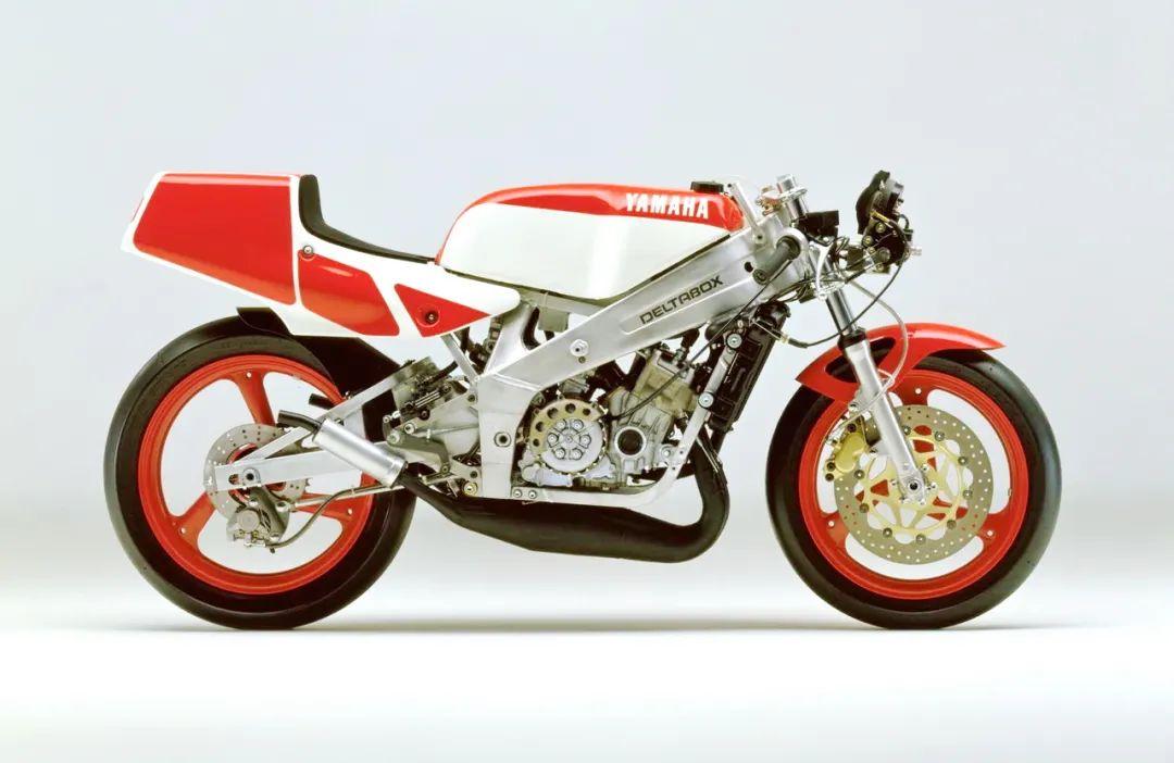 车型历史图库:雅马哈Yamaha TZR250 第二代-第29张图片-春风行摩托车之家