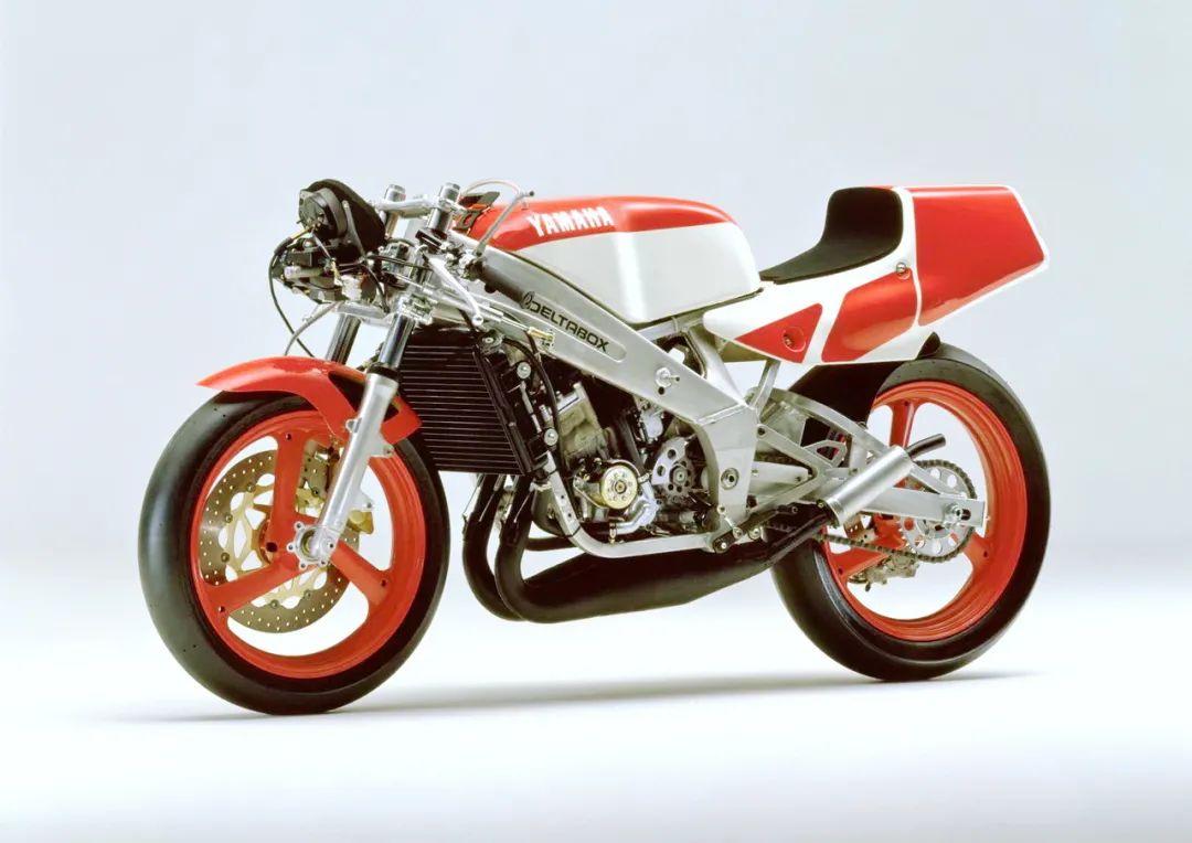 车型历史图库:雅马哈Yamaha TZR250 第二代-第30张图片-春风行摩托车之家