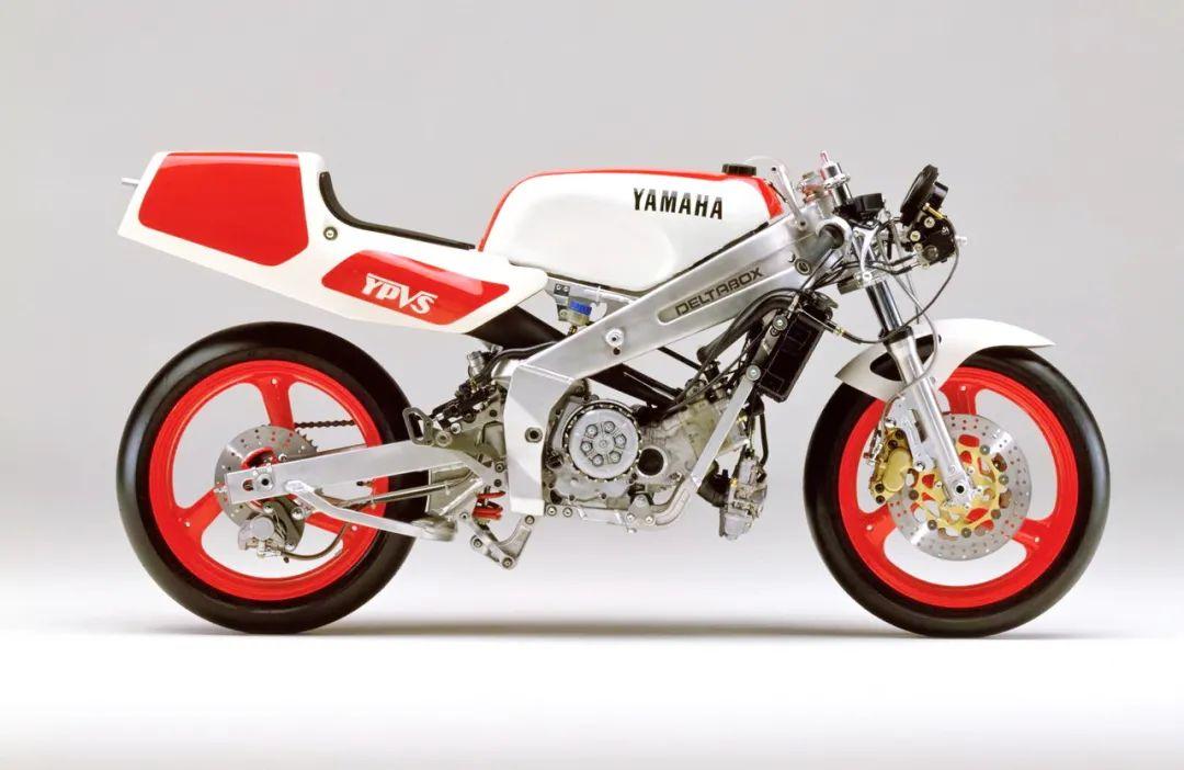 车型历史图库:雅马哈Yamaha TZR250 第二代-第33张图片-春风行摩托车之家