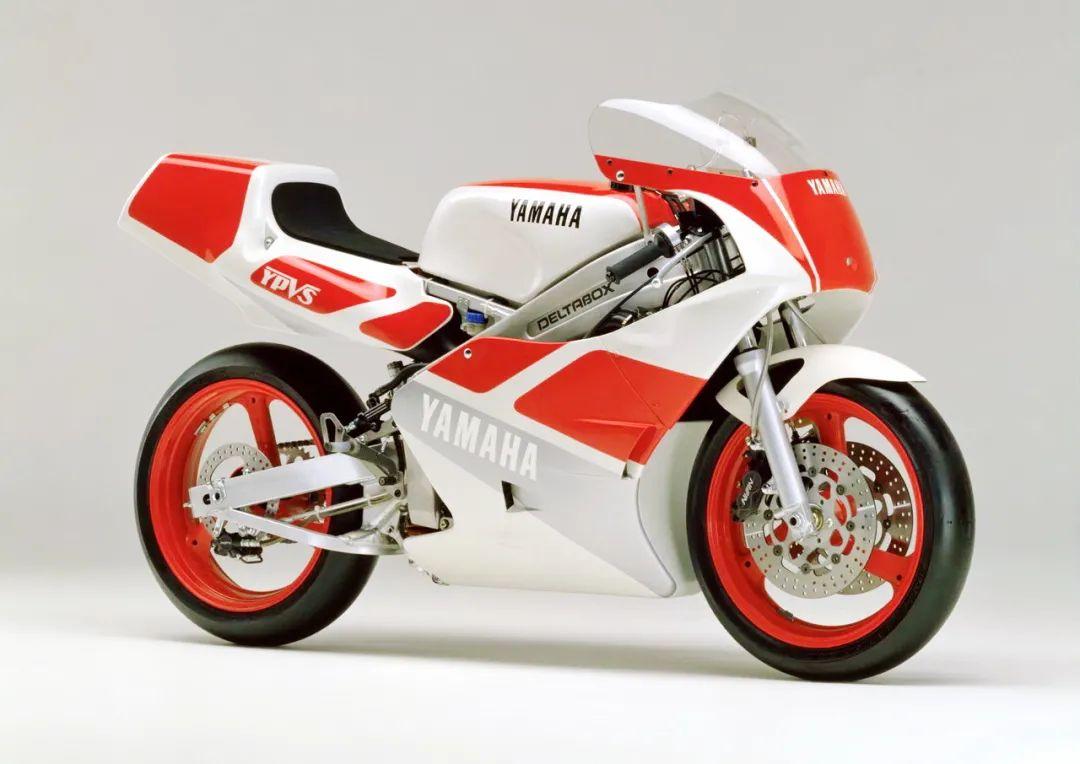 车型历史图库:雅马哈Yamaha TZR250 第二代-第36张图片-春风行摩托车之家