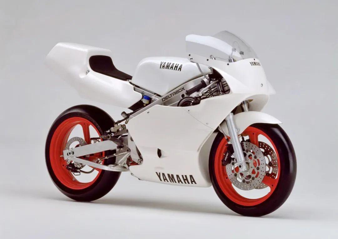 车型历史图库:雅马哈Yamaha TZR250 第二代-第39张图片-春风行摩托车之家