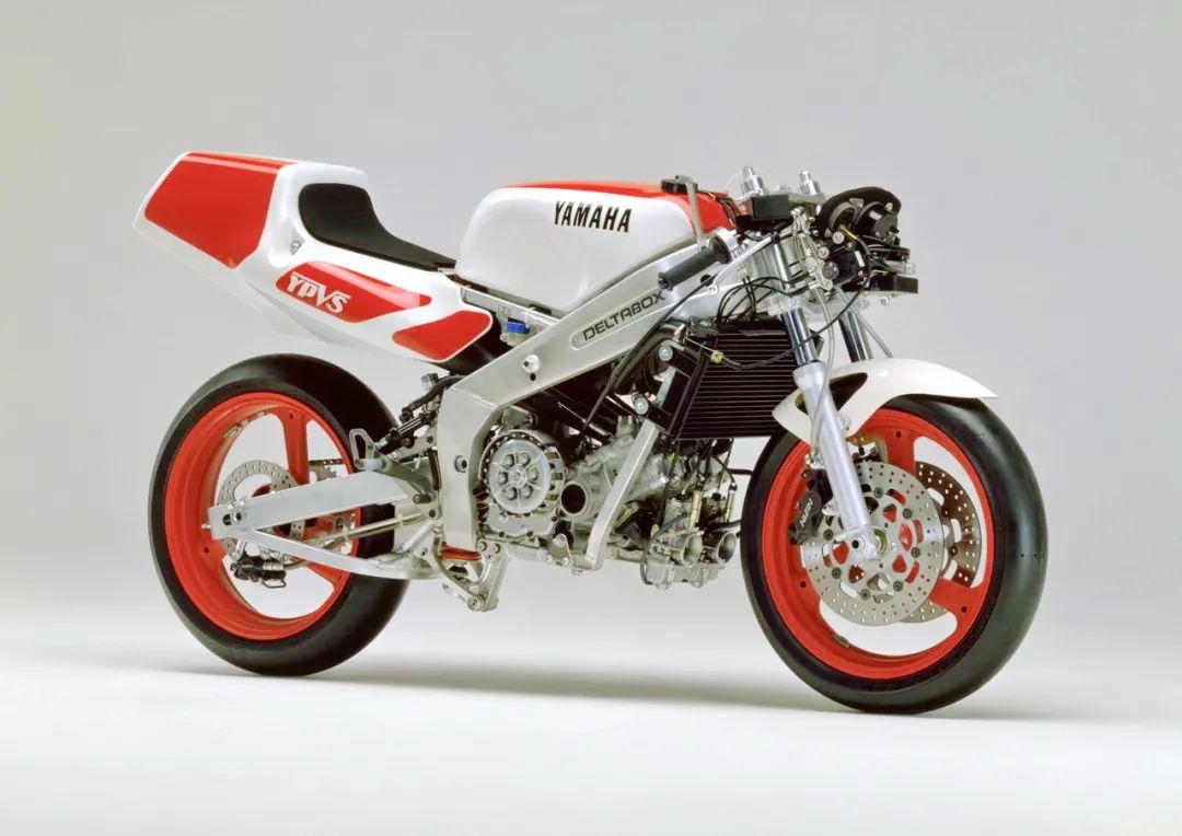 车型历史图库:雅马哈Yamaha TZR250 第二代-第37张图片-春风行摩托车之家