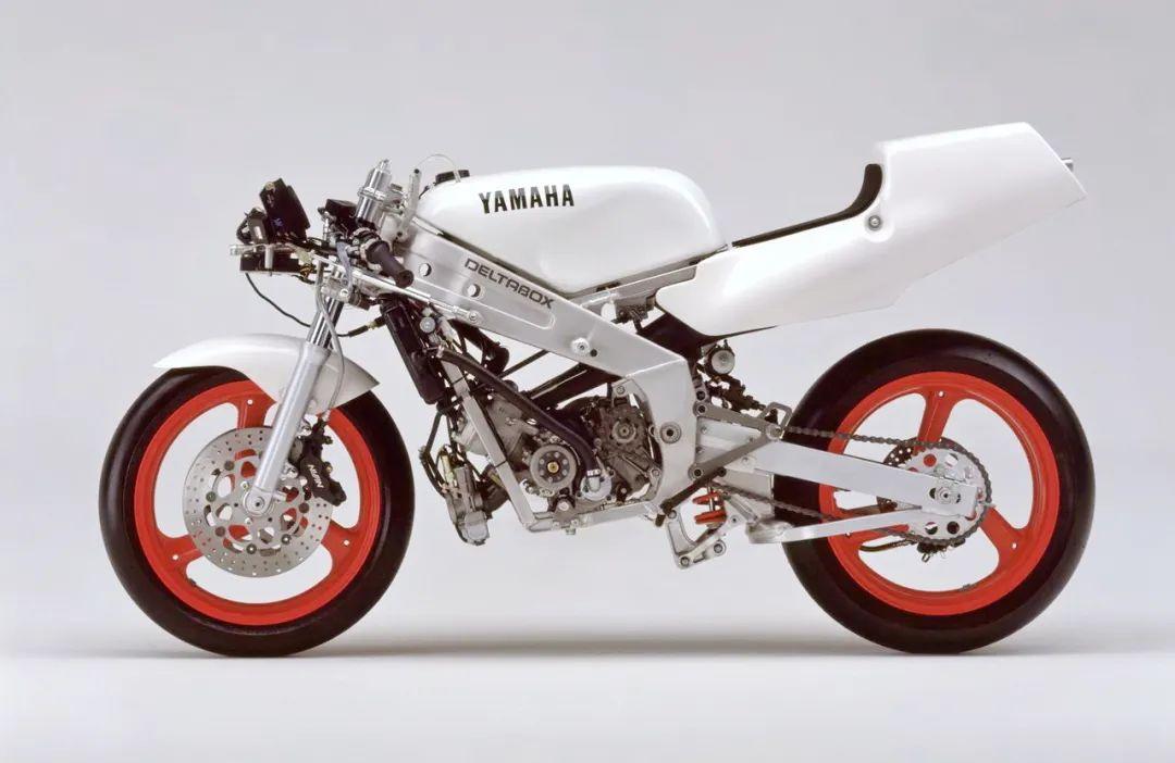 车型历史图库:雅马哈Yamaha TZR250 第二代-第41张图片-春风行摩托车之家