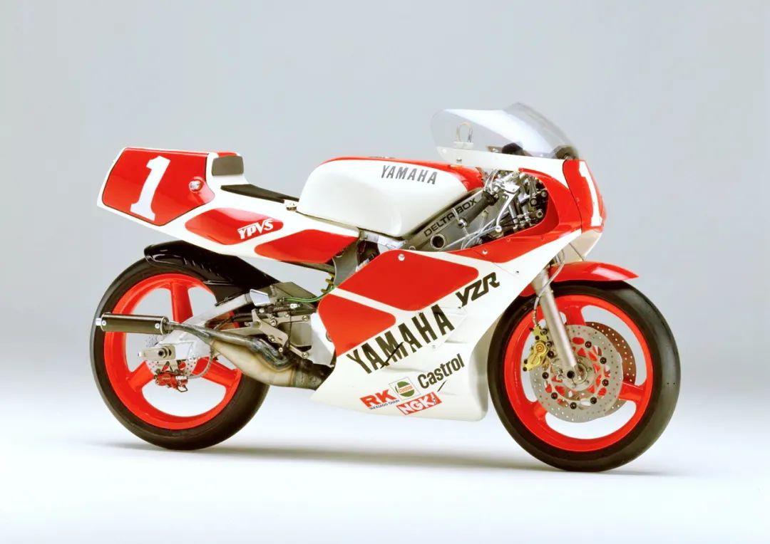 车型历史图库:雅马哈Yamaha TZR250 第二代-第42张图片-春风行摩托车之家