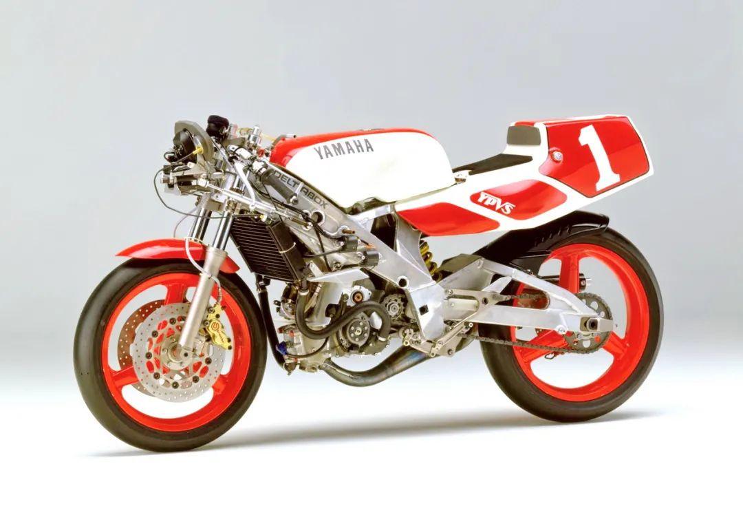 车型历史图库:雅马哈Yamaha TZR250 第二代-第44张图片-春风行摩托车之家