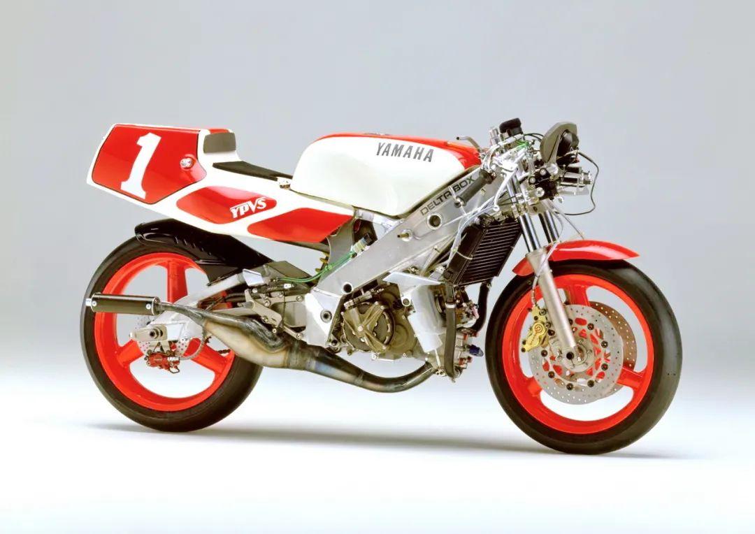 车型历史图库:雅马哈Yamaha TZR250 第二代-第43张图片-春风行摩托车之家