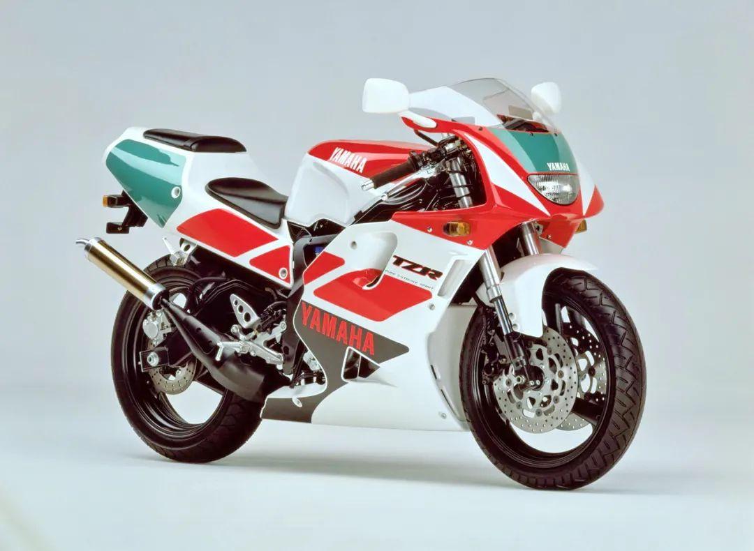 车型历史图库:雅马哈Yamaha TZR250 第三代 最终型-第3张图片-春风行摩托车之家