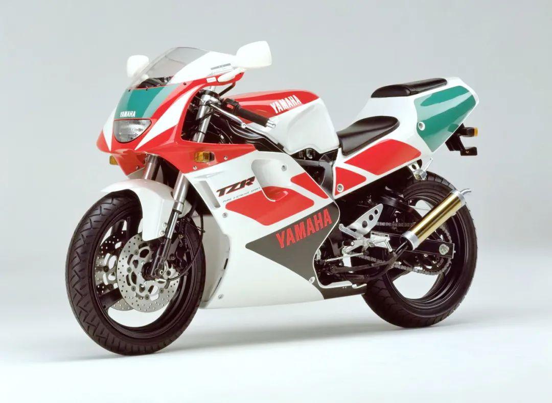 车型历史图库:雅马哈Yamaha TZR250 第三代 最终型-第5张图片-春风行摩托车之家