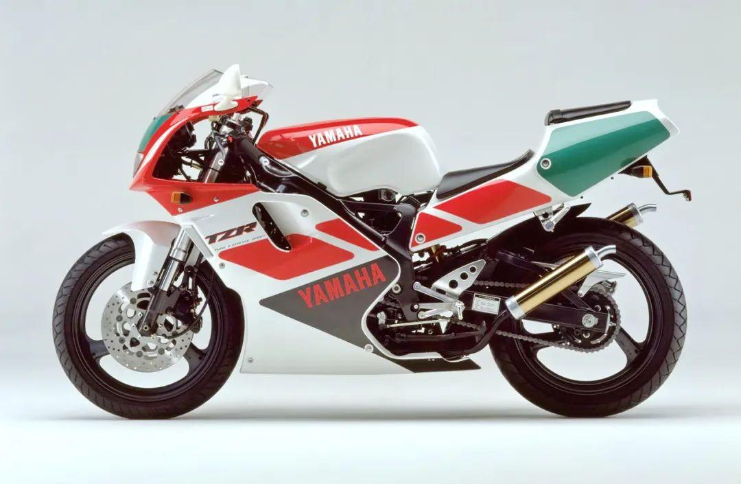 车型历史图库:雅马哈Yamaha TZR250 第三代 最终型-第6张图片-春风行摩托车之家