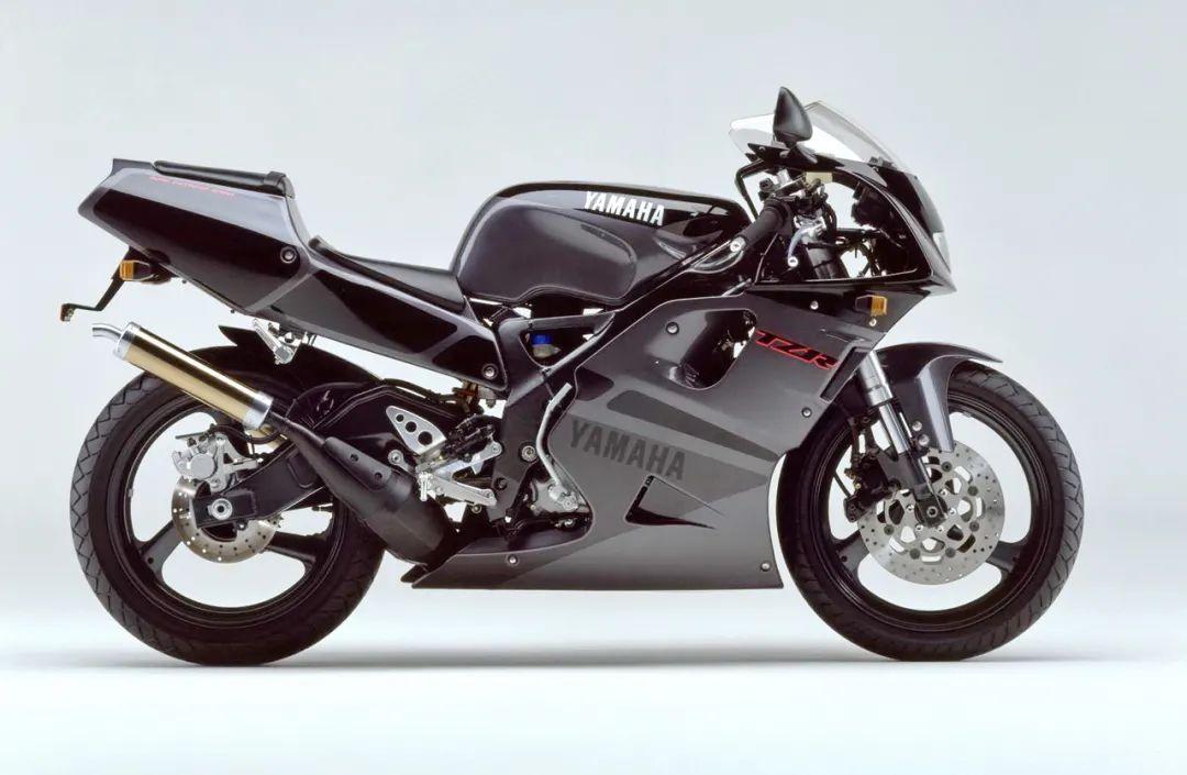 车型历史图库:雅马哈Yamaha TZR250 第三代 最终型-第8张图片-春风行摩托车之家