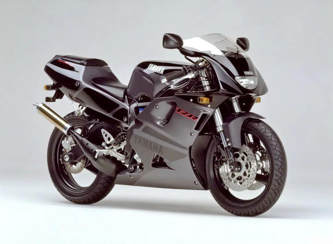 车型历史图库:雅马哈Yamaha TZR250 第三代 最终型-第7张图片-春风行摩托车之家