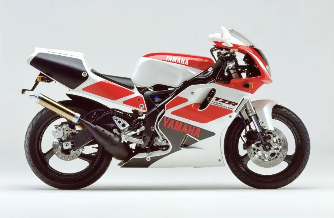车型历史图库:雅马哈Yamaha TZR250 第三代 最终型-第12张图片-春风行摩托车之家