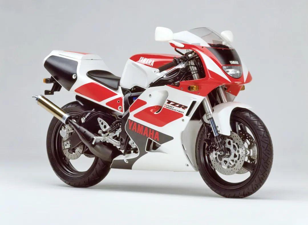 车型历史图库:雅马哈Yamaha TZR250 第三代 最终型-第11张图片-春风行摩托车之家