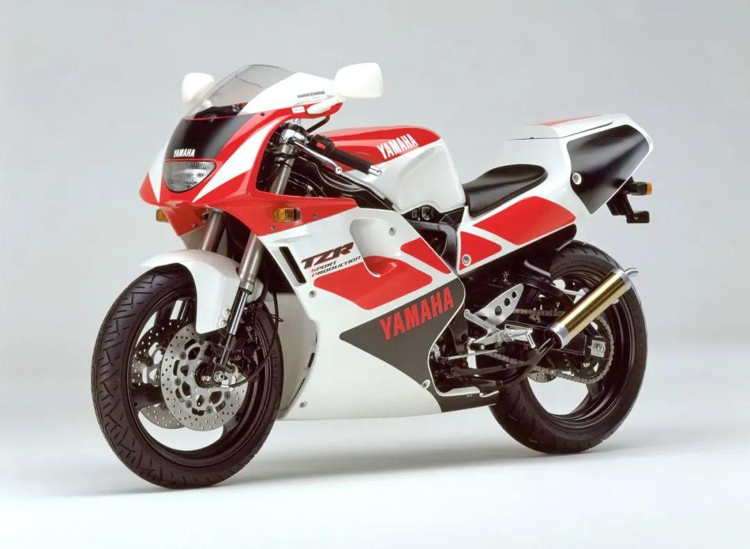 车型历史图库:雅马哈Yamaha TZR250 第三代 最终型-第13张图片-春风行摩托车之家