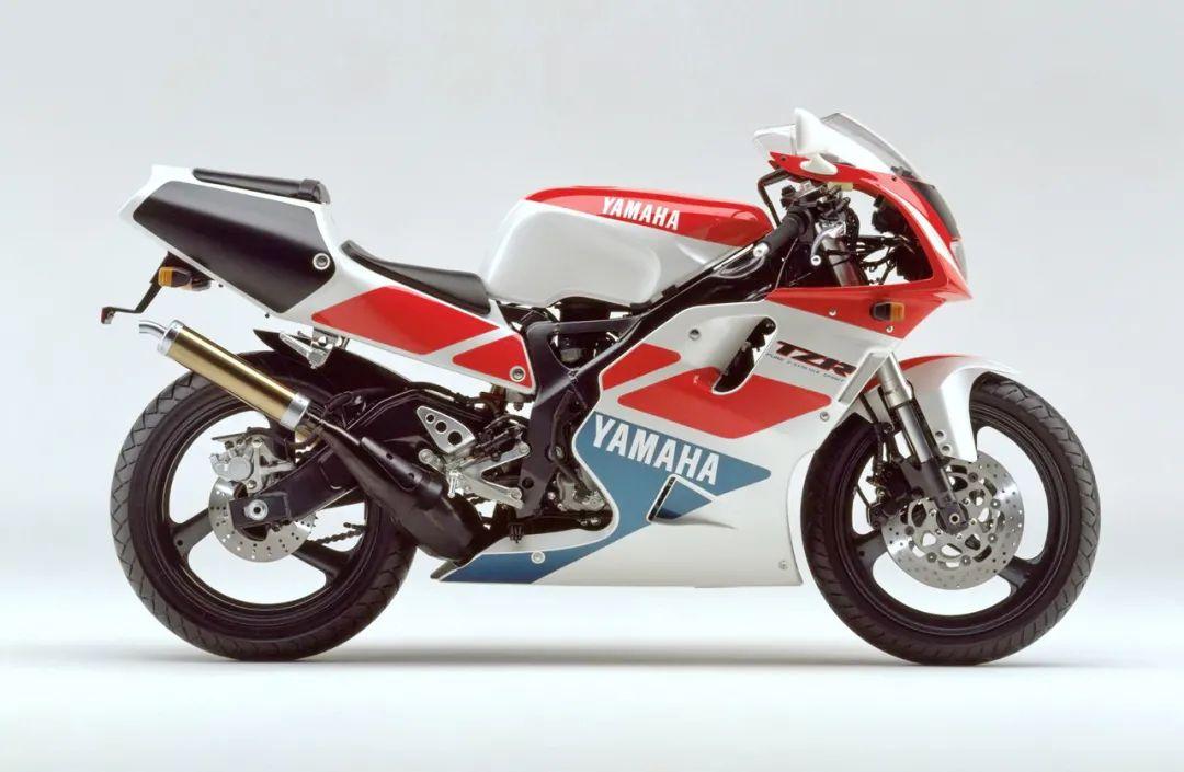 车型历史图库:雅马哈Yamaha TZR250 第三代 最终型-第16张图片-春风行摩托车之家