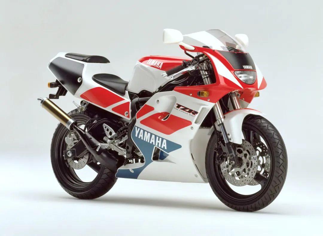 车型历史图库:雅马哈Yamaha TZR250 第三代 最终型-第15张图片-春风行摩托车之家
