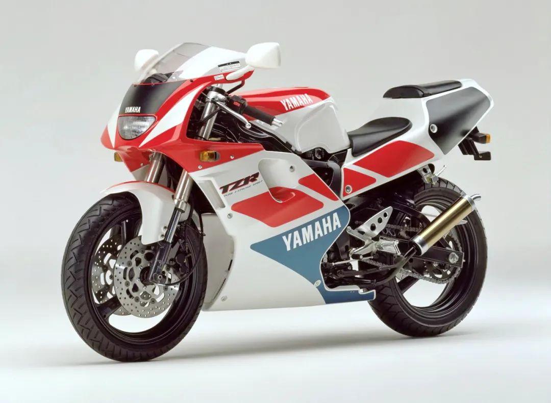车型历史图库:雅马哈Yamaha TZR250 第三代 最终型-第17张图片-春风行摩托车之家