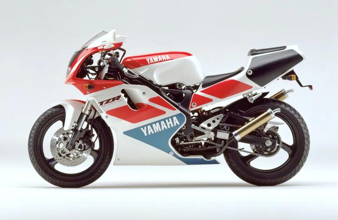 车型历史图库:雅马哈Yamaha TZR250 第三代 最终型-第18张图片-春风行摩托车之家