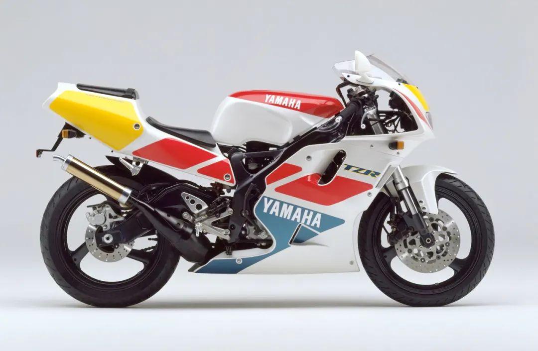 车型历史图库:雅马哈Yamaha TZR250 第三代 最终型-第24张图片-春风行摩托车之家
