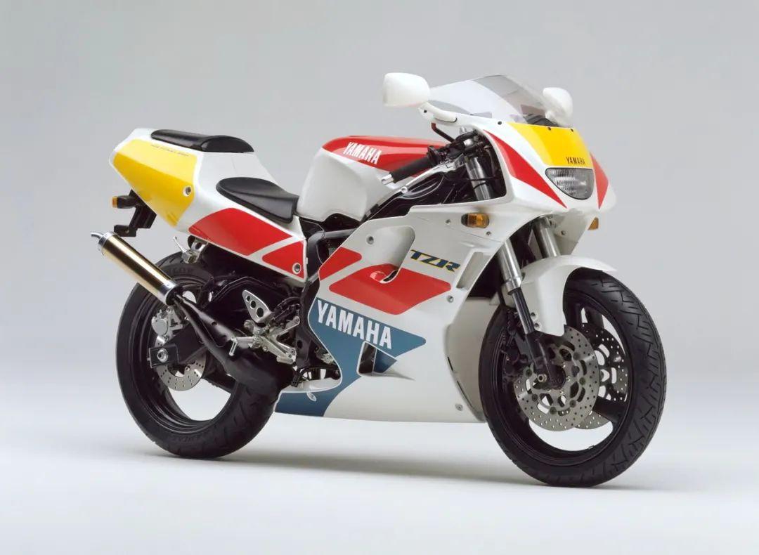 车型历史图库:雅马哈Yamaha TZR250 第三代 最终型-第23张图片-春风行摩托车之家