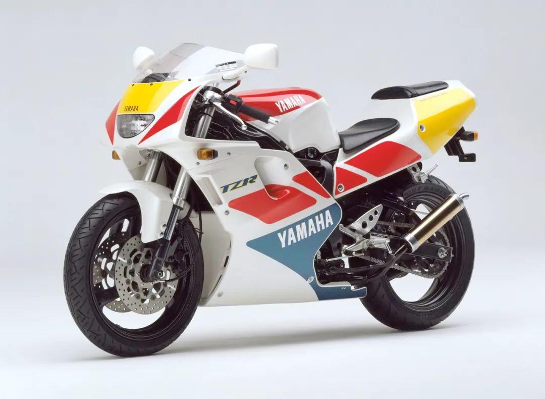 车型历史图库:雅马哈Yamaha TZR250 第三代 最终型-第25张图片-春风行摩托车之家