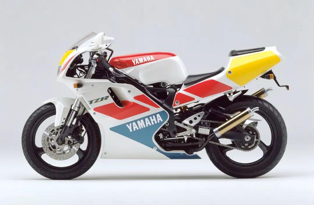 车型历史图库:雅马哈Yamaha TZR250 第三代 最终型-第26张图片-春风行摩托车之家