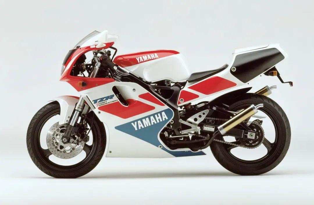 车型历史图库:雅马哈Yamaha TZR250 第三代 最终型-第30张图片-春风行摩托车之家
