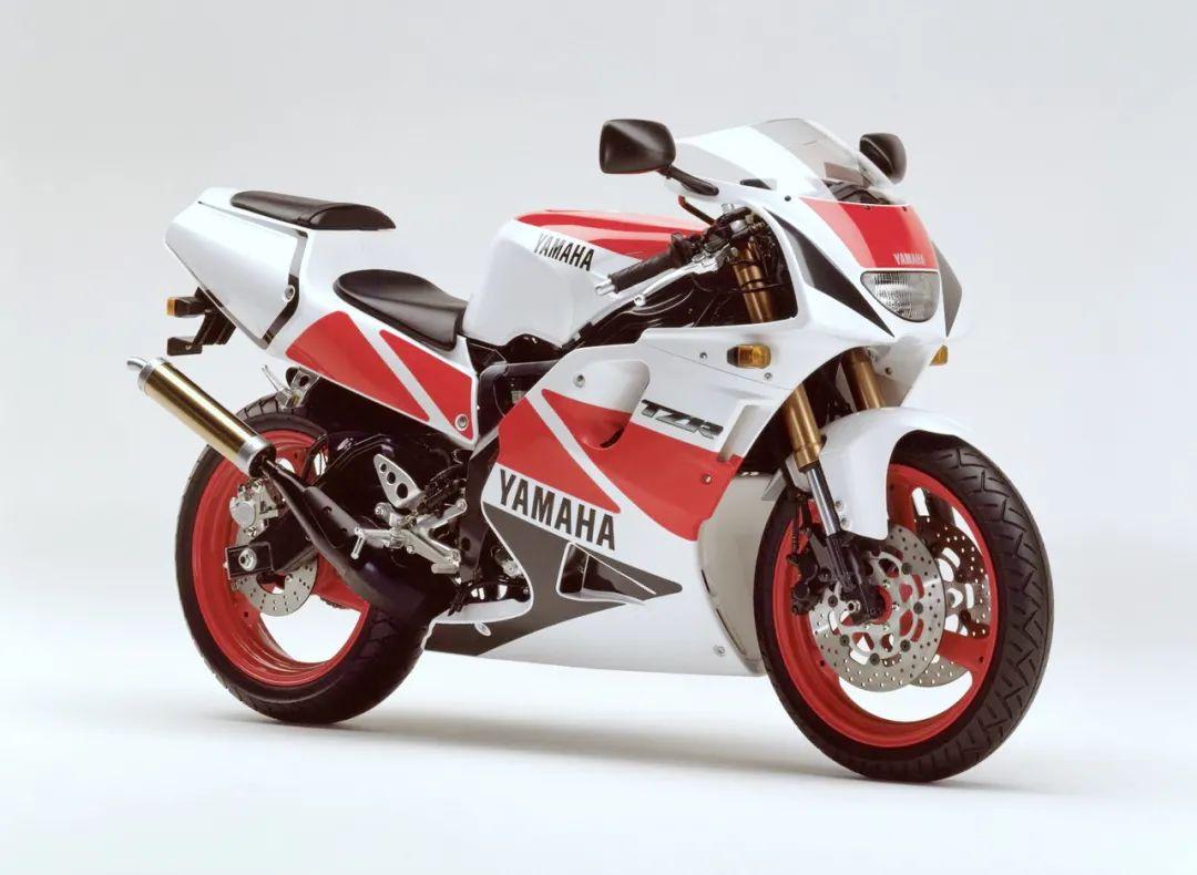 车型历史图库:雅马哈Yamaha TZR250 第三代 最终型-第31张图片-春风行摩托车之家
