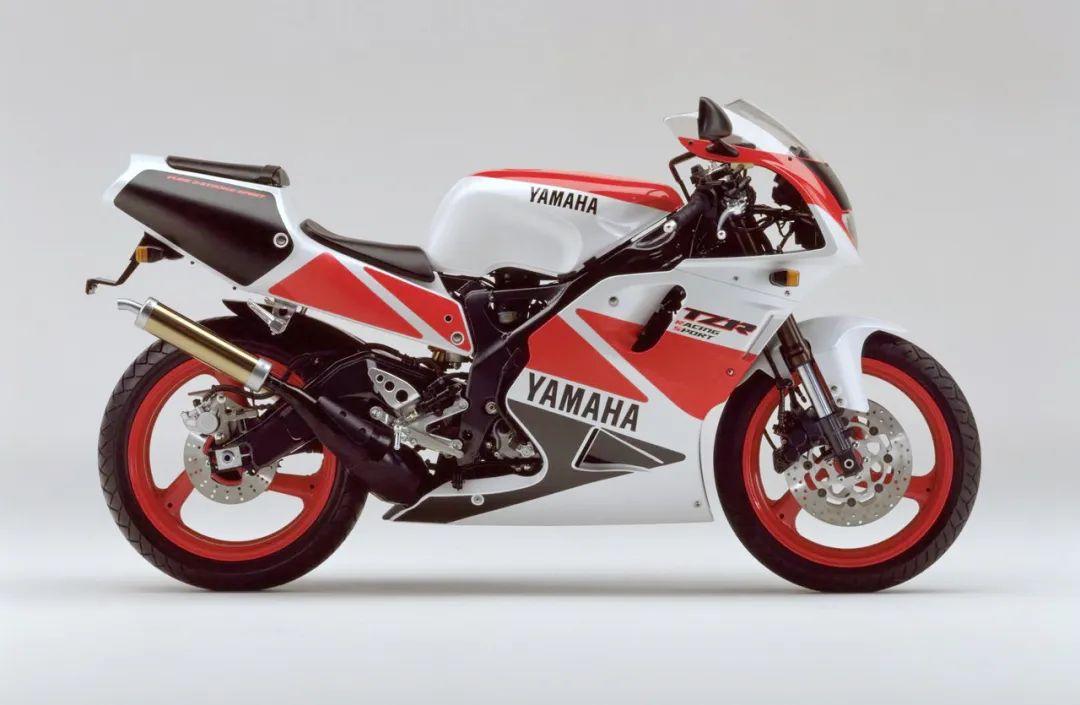 车型历史图库:雅马哈Yamaha TZR250 第三代 最终型-第36张图片-春风行摩托车之家
