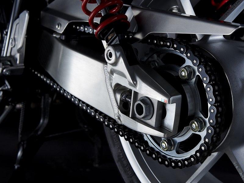 世界顶级赛事都能看见它的身影 D.I.D-第1张图片-春风行摩托车之家