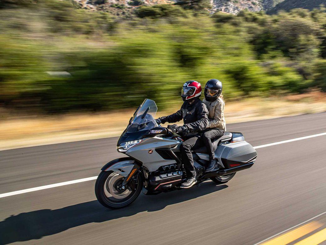 【原创翻译】本田HONDA新专利曝光,正在开发摩托车转向辅助系统,首款车型或将是本田金翼。-第3张图片-春风行摩托车之家