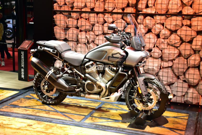 哈雷Pan America正式上市 售24.18万元-第3张图片-春风行摩托车之家