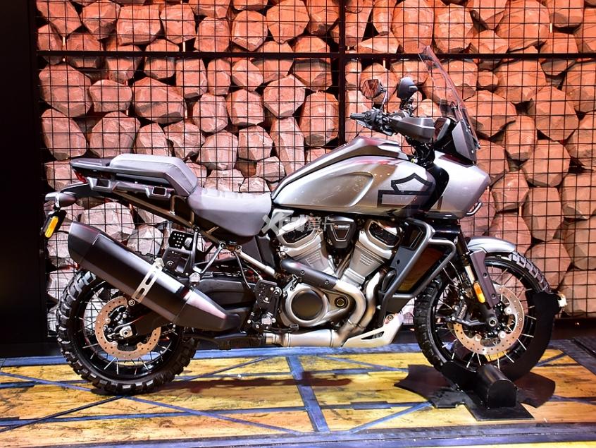 旅行不止于公路 哈雷Pan America静评-第3张图片-春风行摩托车之家