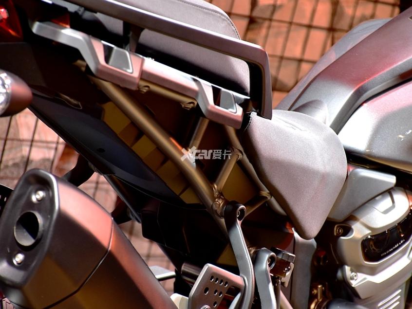 旅行不止于公路 哈雷Pan America静评-第8张图片-春风行摩托车之家