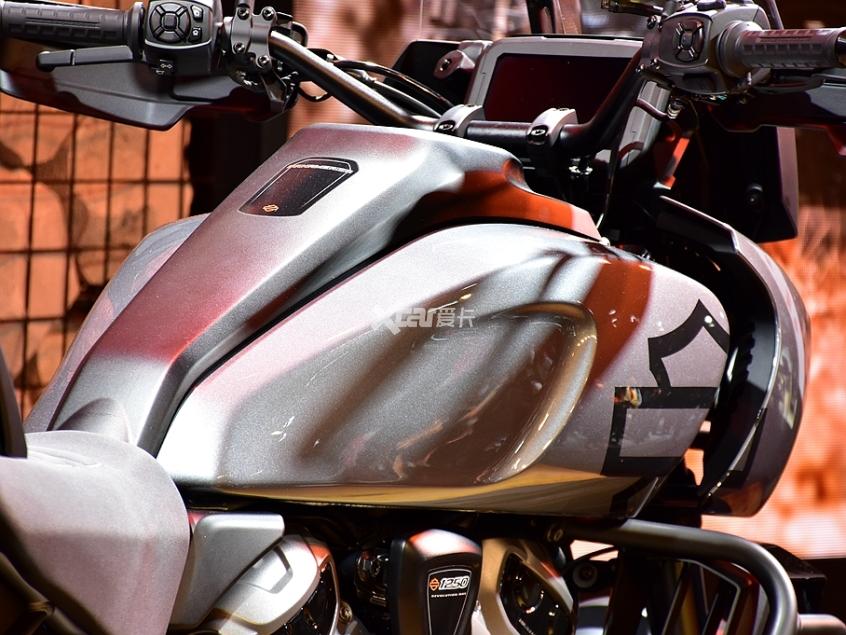 旅行不止于公路 哈雷Pan America静评-第7张图片-春风行摩托车之家