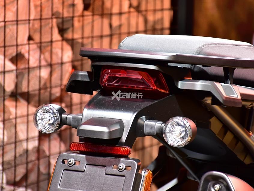 旅行不止于公路 哈雷Pan America静评-第6张图片-春风行摩托车之家
