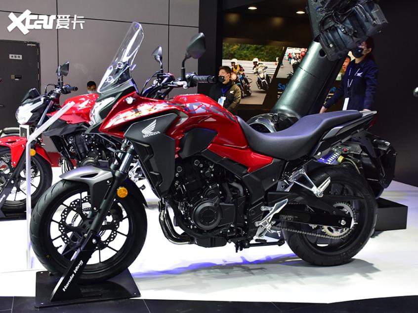 被阉割还是本土化?实拍国产本田CB400X-第3张图片-春风行摩托车之家