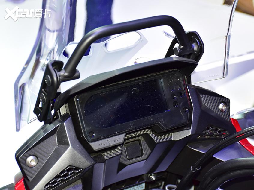 被阉割还是本土化?实拍国产本田CB400X-第10张图片-春风行摩托车之家