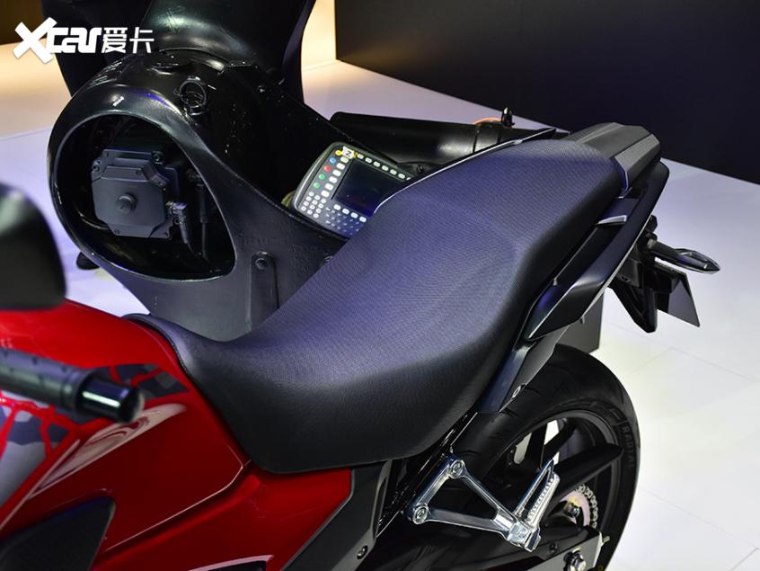 被阉割还是本土化?实拍国产本田CB400X-第12张图片-春风行摩托车之家