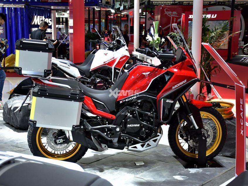 高颜值+中国芯 摩托莫里尼X-CAPE实拍-第3张图片-春风行摩托车之家
