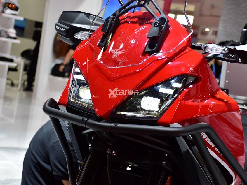 高颜值+中国芯 摩托莫里尼X-CAPE实拍-第4张图片-春风行摩托车之家