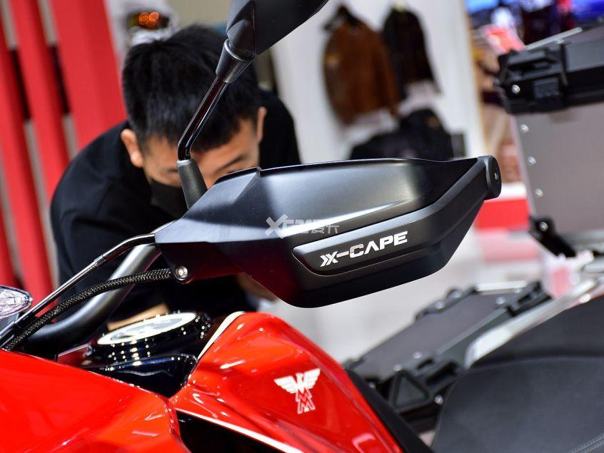 高颜值+中国芯 摩托莫里尼X-CAPE实拍-第15张图片-春风行摩托车之家