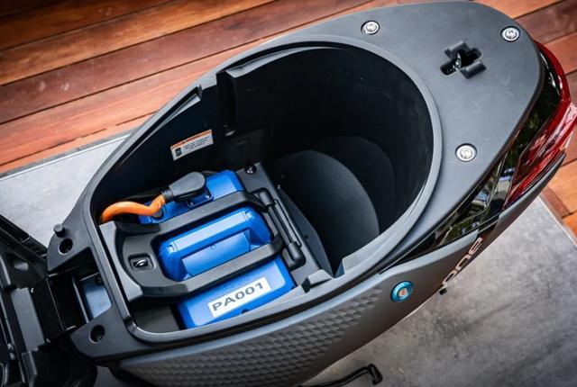 摩展上的高价电动车:比亚乔ONE,续航55km,售价却高达1.78万!-第6张图片-春风行摩托车之家